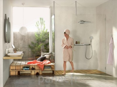 Hansgrohe® Rainmaker ShowerTablet Select 700 thermostatic