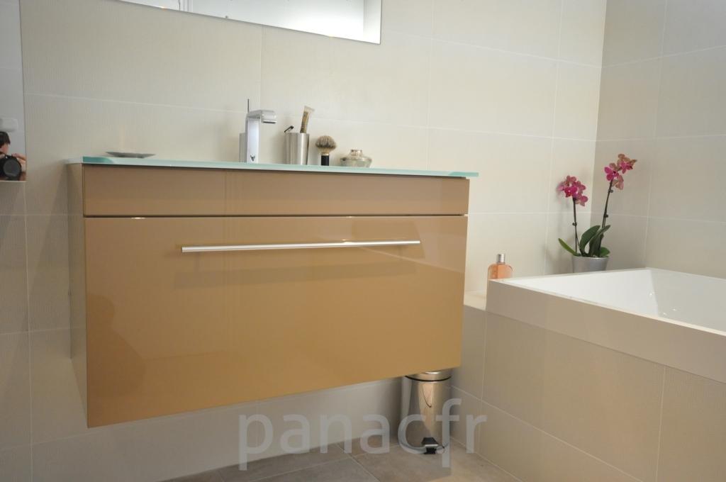 Mobilier salle de bain sur mesure en laque - Mobilier salle de bain ...