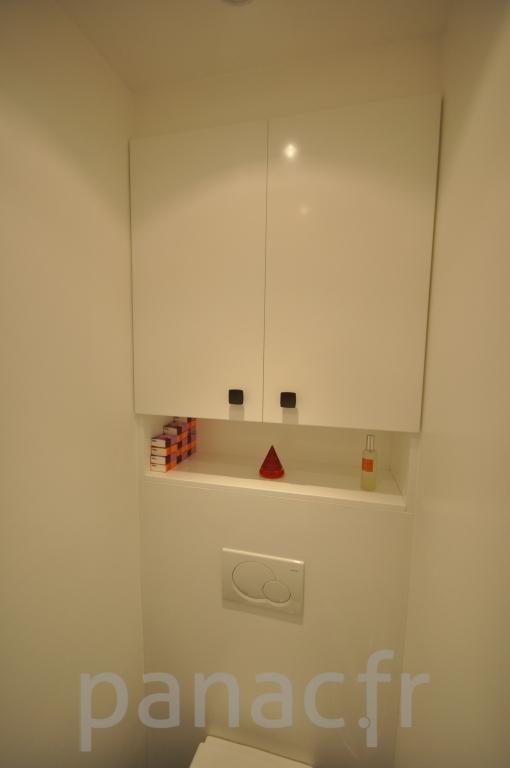 Mobilier salle de bain sur mesure en laque for Salle de bain sur mesure