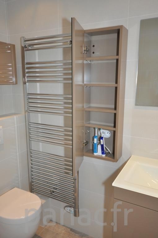 Mobilier salle de bain sur mesure en laque for Mobilier salle bain