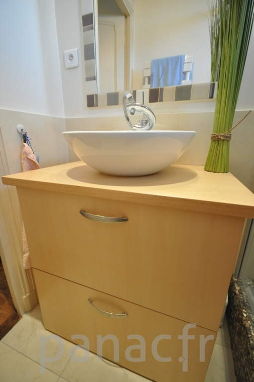 mobilier salle de bain sur mesure en bois. Black Bedroom Furniture Sets. Home Design Ideas