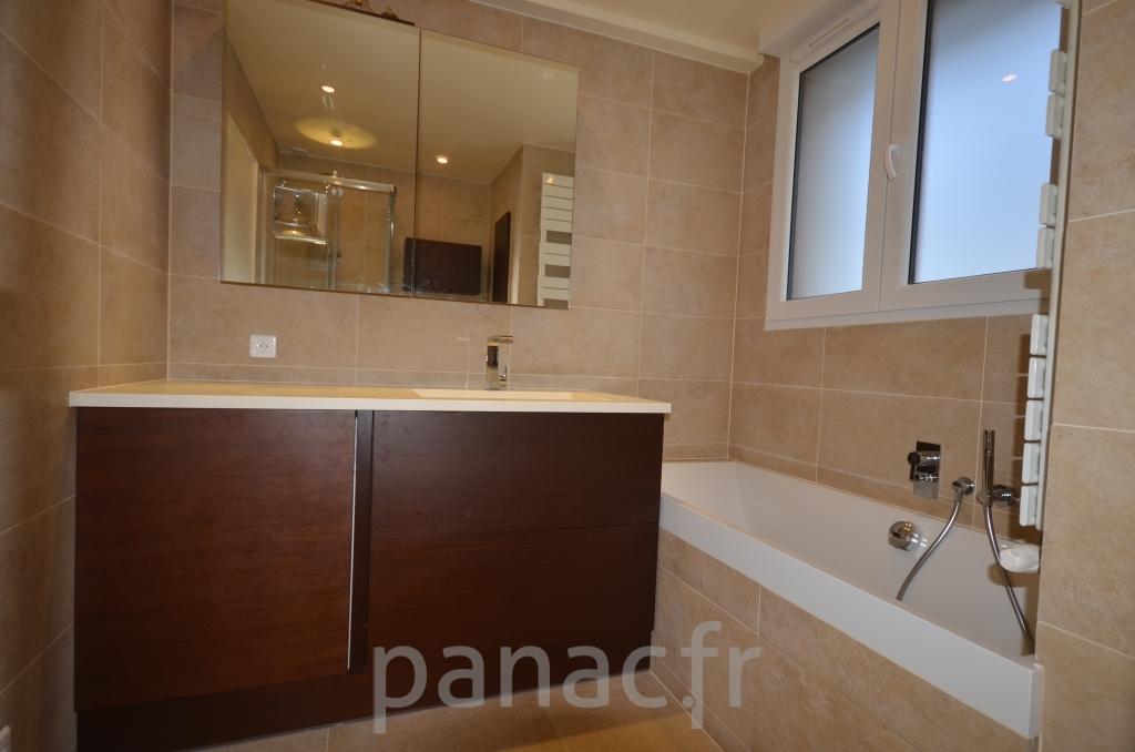 Mobilier salle de bain en bois 30 panac fr for Mobilier salle de bain