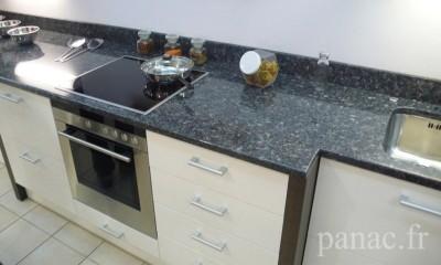 Mobilier sur mesure pour toute la maison cuisiniste au for Plan de travail cuisine granit prix