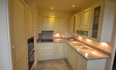 mobilier sur mesure pour toute la maison cuisiniste au v sinet am n. Black Bedroom Furniture Sets. Home Design Ideas